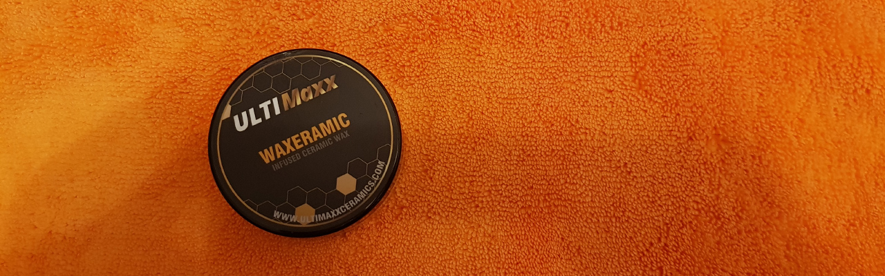 Ultimaxx Waxeramic to the desired surface with a thin light coating
