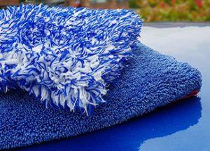 car washmitt and drying towel